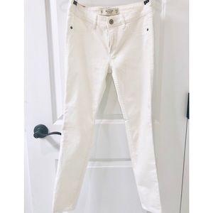 Abercrombie & Fitch Skinny Jean. W28, L27 / 6S.